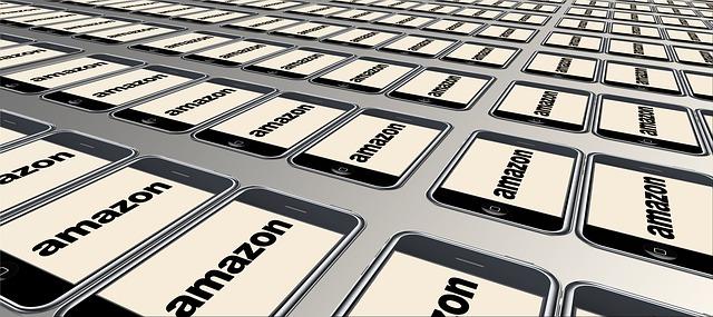 Amazon vytvorila 1800 pracovných miest vo Francúzku a Conforama znížila pracovné pozície