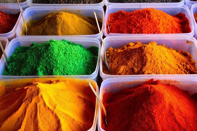 farebné korenia.jpg