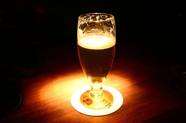 Pivo v pohári